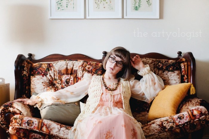 Time Travels (And a Very 1970's Sofa) the artyologist, vintage 1970's sofa and dress 2