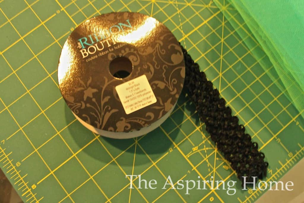 How to make a TuTu skirt- www.theaspiringhome.com