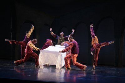 "A scene from  José Limón's ""The Traitor"" (Photo credit: Beatriz Schiller)"