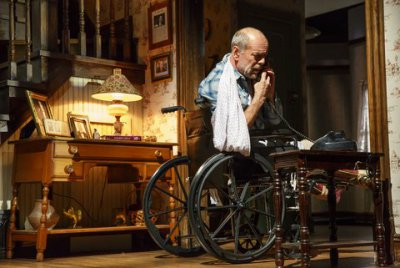 "Bruce Willis as Paul Shelden in a scene from ""Misery"" at the Broadhurst Theatre (Photo credit: Joan Marcus)"