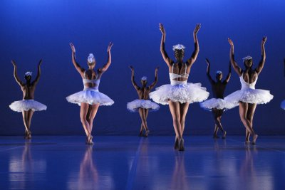 "Corps de ballet in a scene from Dada Masilo's ""Swan Lake"" (Photo credit: John Hogg)"