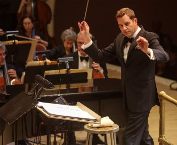 Music director Steve Reineke conducts The New York Pops (Photo credit: Richard Termine)