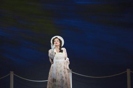 "Elizabeth Caballero as Florenciain a scene from the New York City Opera's production of Daniel Catán's ""Florencia en el Amazonas"" (Photo credit: Sarah Shatz)"