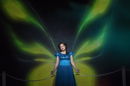 "Elizabeth Caballero as Florencia in a scene from the New York City Opera's production of Daniel Catán's ""Florencia en el Amazonas"" (Photo credit: Sarah Shatz)"