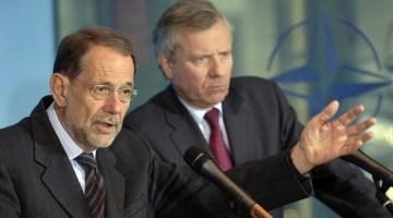Javier Solana et le secrétaire général de l'otan Jaap de Hoop Scheffer