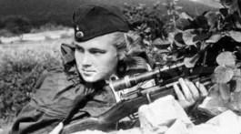 Liza Mironova a participé à la défense d'Odessa et de Sébastopol ainsi qu'aux combats pour Novorossik. Elle a éliminé près de 100 soldats et officiers ennemis.