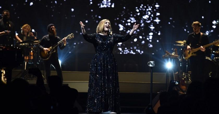 Adele sceglie Burberry per il suo tour