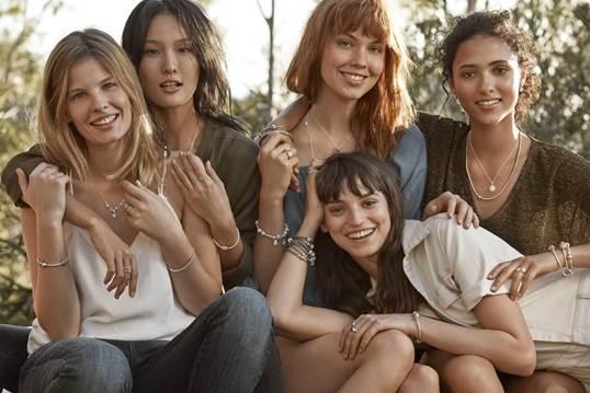 """PANDORA celebra le donne con il nuovo Concept """"UNIQUE AS WE ARE"""""""