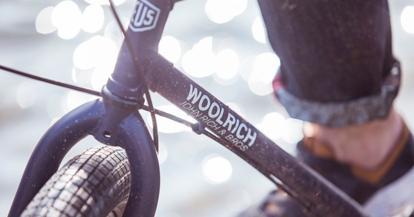 Arriva la Woolrich E-Bike realizzata in collaborazione con Deus Ex Machina – Milano Design Week #15