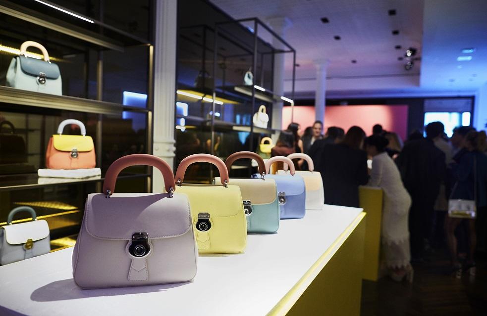 DK88 – Burberry celebra le suo nuove borse a New York
