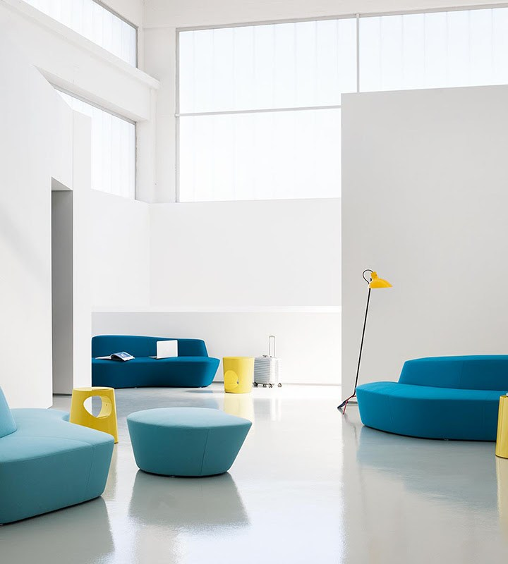 Tacchini Italia Forniture festeggia i 10 anni del divano Polar disegnato da Pearson Lloyd