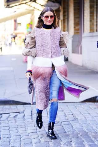 Olivia Palermo in Cara Mila, maglioneBrunello Cucinelli, clutch Dior, NY