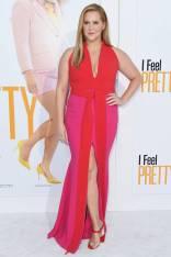 Amy Schumer in Brandon Maxwell alla 'I Feel Pretty' premiere, Los Angeles