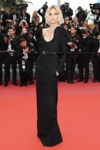 Anja Rubik in Saint Laurent al Cannes film Festival