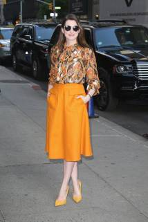 Anne Hathaway in Anna Sui al 'The Late Show With Stephen Colbert', New York