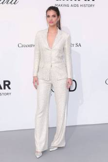 Barbara Palvin all'amfAR Gala, Cannes