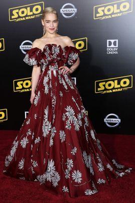 Emilia Clarke in Valentino alla premiere of Solo A Star Wars Story, Hollywood