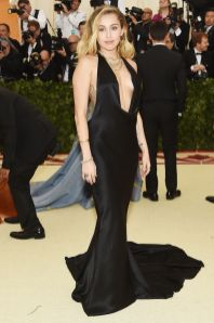 Miley Cyrus in Stella McCartney al Met Gala 2018