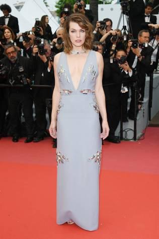 Milla Jovovich in Prada al Cannes Film Festival