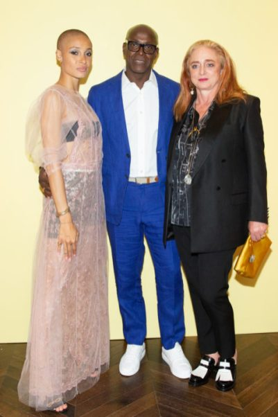 Adwoa Aboah, Charles Aboah, Camilla Lowther in Burberry all'ADWOA ABOAH CELEBRATES : BURBERRY'S NEW AUTUMN/WINTER 2018 PRE-COLLECTION IN NEW YORK