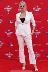 Kate Upton in Anine Bing agli 89th MLB All-Star Game, Washington