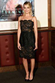 Margot Robbie in Chanel Little Black Dress alla London screening of Terminal