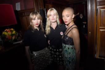 Suki Waterhouse, Lara Stone e Adwoa Aboah al Miu Miu 2019 Cruise show, Paris