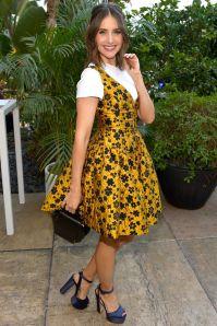 Alison Brie in Isa Arfen al GLOW's Emmy nominations, LA
