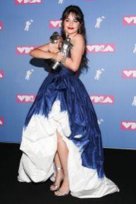 Camila Cabello in Oscar de la Renta agli MTV VMA 2018