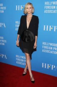 Charlize Theron in Givenchy al Hollywood Foreign Press Association's grants banquet, Beverly Hills