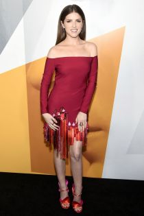 Anna Kendrick in Cushnie et Ochs alla premiere of A Simple Favor,NY