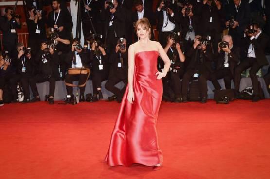 Dakota Johnson in Christian Dior e Messika gioielli alla 'Suspiria' premiere, Venice
