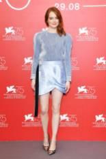 Emma Stone in Louis Vuitton al photocall al Venice Film Festival 2018