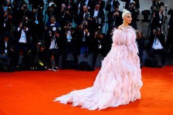 Lady Gaga in Valentino Haute Couture all''A Star Is Born' premiere, Venice