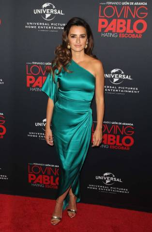Penelope Cruz in Ralph & Russo al 'Loving Pablo' film screening, Los Angeles