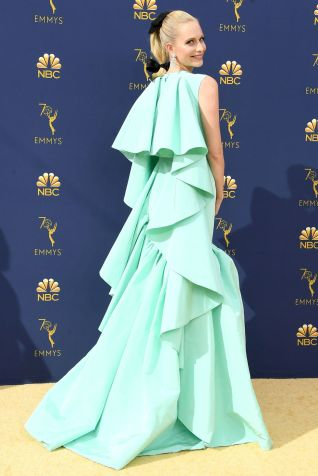 Poppy Delevingne in Giambattista Valli agli Emmy Awards, California