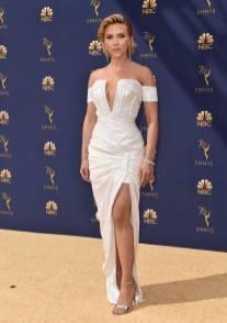 Scarlett Johansson in Balmain agli Emmy Awards, California