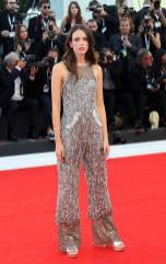 Stacy Martin in Chanel Couture al 'Vox Lux' screening Venice Film Festival, Venice