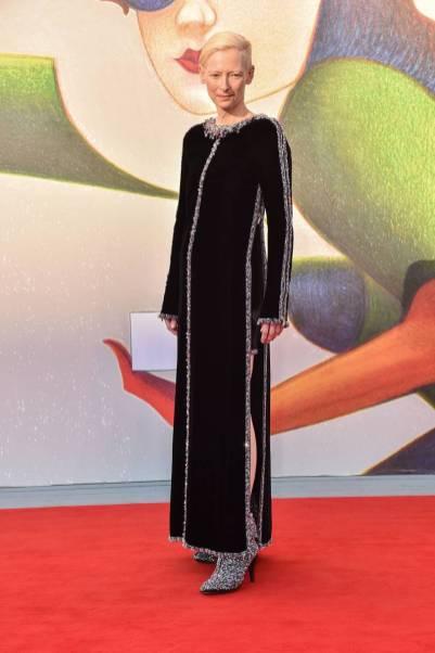 Tilda Swinton in Chanel Couture all'Annee Derniere a Marienbad' premiere Venice Film Festival