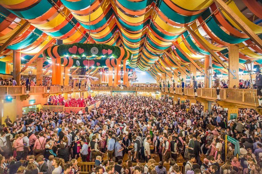 Guida pratica per sopravvivere all'Oktoberfest