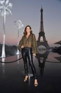 Cindy Crawford in Saint Laurent al Saint Laurent SS19 show, Paris Fashion Week