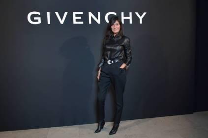 Emmanuelle Alt in Givenchy al 'L'Interdit Givenchy', Paris Fashion Week