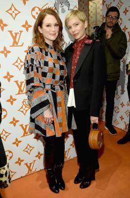 Julianne Moore e Michelle Williams, entrambe in Louis Vuitton, al Louis Vuitton X Grace Coddington Celebration, New York