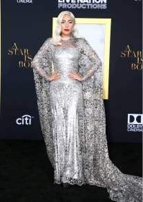 Lady Gaga in Givenchy Haute Couture alla Premiere of Warner Bros. Pictures' 'A Star Is Born', Los Angeles