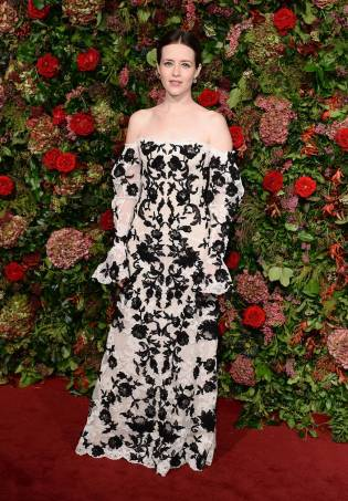 Claire Foy in Alexander McQueen ai Evening Standard Theatre Awards, London
