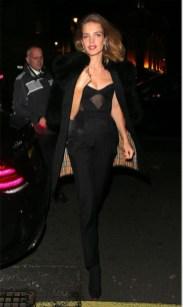 Natalia Vodianova in Burberry al Vogue One Year Anniversary Celebration di Edward Enninful,Londra.
