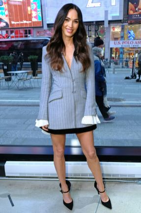 Megan Fox in Jonathan Simkhai all'Extra.