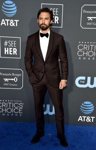 Milo Ventimiglia in Giorgio Armani ai 2019 Critics' Choice Awards