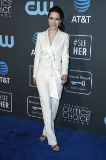 Rachel Brosnahan in Nikos Loulis ai 2019 Critics' Choice Awards
