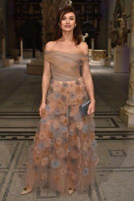 Olga Kurylenko al Christian Dior Designer of Dreams opening, V&A